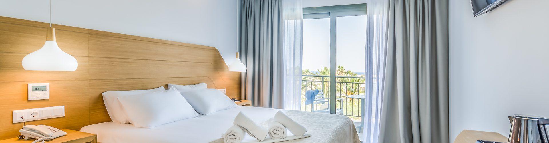 3.-Superior-Double-Room-Sea-View-1.jpg